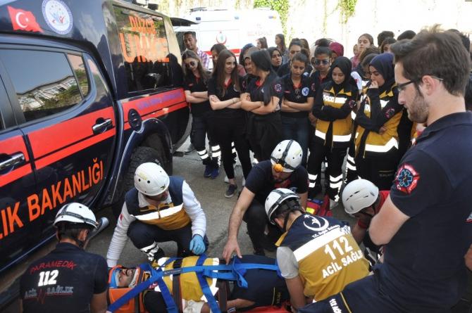 Düzce Üniversitesi öğrencilerine ambulans operasyonları eğitimi verildi