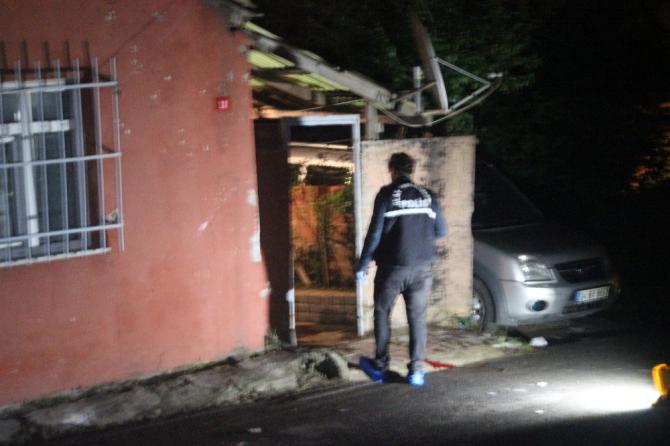 Sultangazi'de silahlı saldırı: 1 kişi ağır yaralandı
