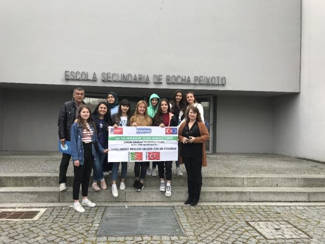 Belçika ve Portekiz'de 14 gün boyunca eğitimi gören öğrenciler yurda döndü
