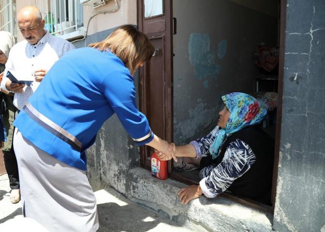 Şahin'den engelli çifte yardım