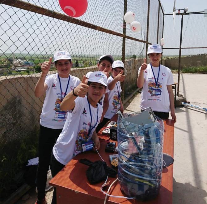 Şırnak'ta öğrenciler rüzgar türbininden elektrik üretti