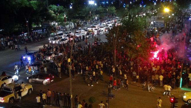 Galatasaray'ın 22. şampiyonluğu Batman'da coşkuyla kutlandı
