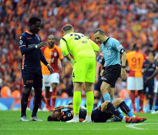 Spor Toto Süper Lig: Galatasaray: 2 - M.Başakşehir: 1 (Maç sonucu)
