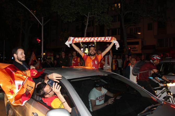Afyonkarahisar'da Galatasaray'ın şampiyonluğu çoşkuyla kutlandı