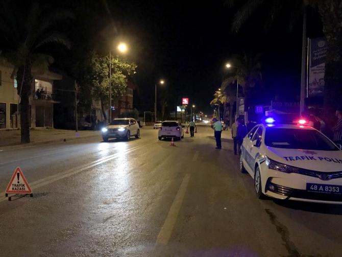 Fethiye'de otomobil yayaya çarptı: 1 yaralı