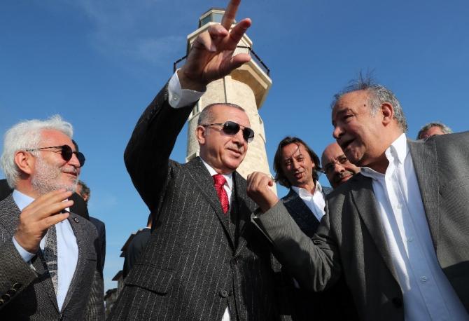 Cumhurbaşkanı Erdoğan, Demokrasi ve Özgürlükler adasında incelemelerde bulundu