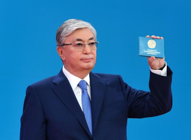 Kazakistan'da Tokayev yemin etti