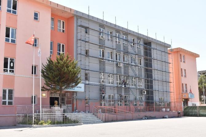 Balçova'nın okullarına tam destek