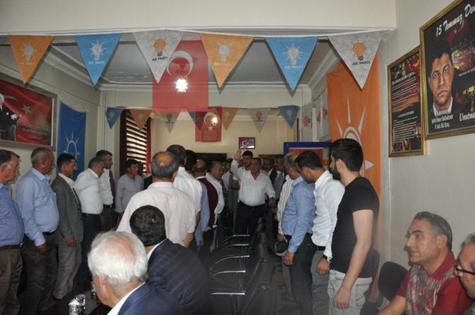 AK Parti Muş Milletvekili Şimşek, vatandaşlarla bayramlaştı