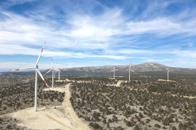 Hasanoba RES rüzgârdan elektrik üretimine başladı