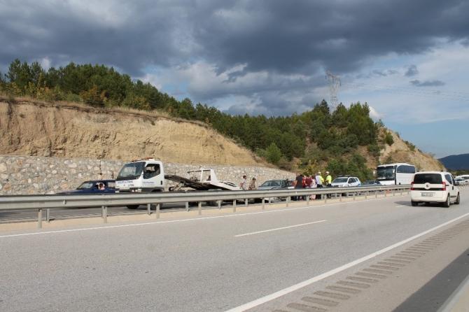 Tosya'da maddi hasarlı trafik kazası