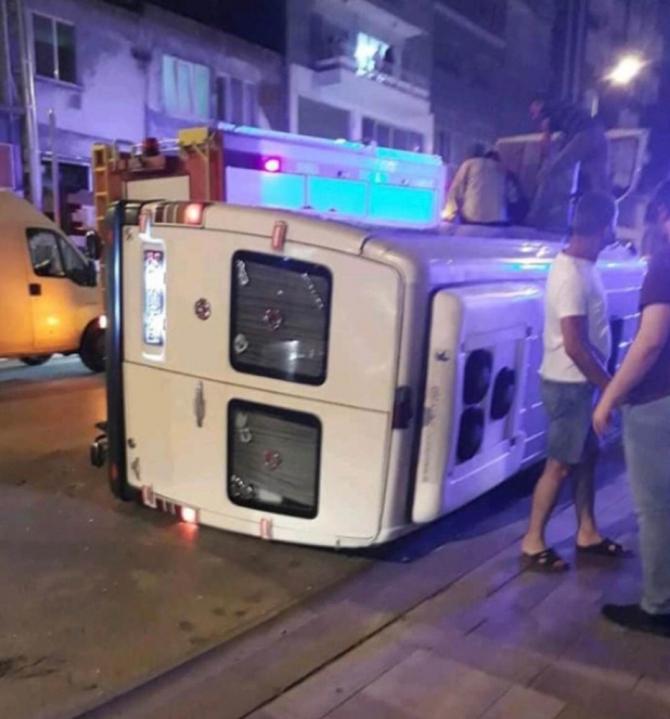 Askeri araçla çarpışan minibüs böyle devrildi