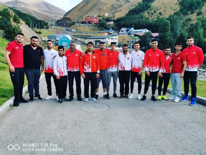 Boks Milli Takımı Erzurum'da hazırlık kampında