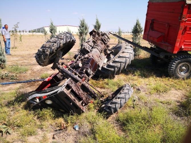 Aksaray'da tır traktöre çarptı: 2 yaralı