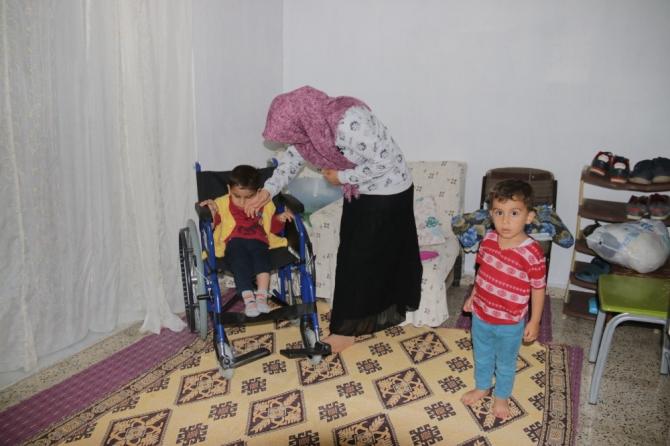 Kızılay'dan engellilere tekerlekli sandalye yardımı yapıldı