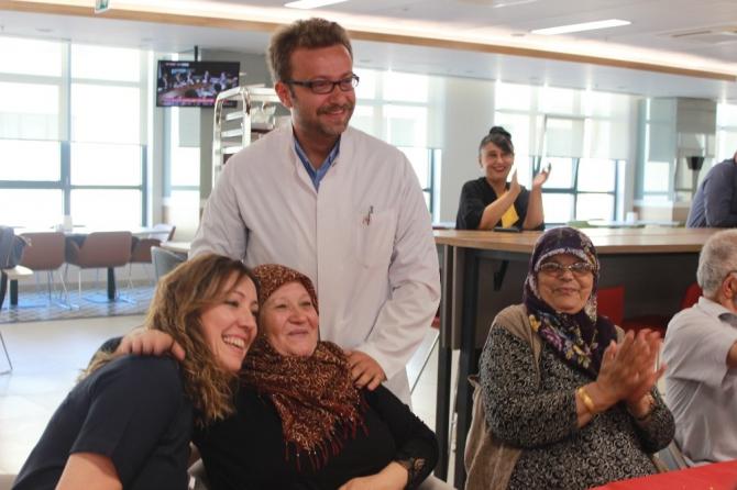Şehir Hastanesinde 100'üncü açık kalp cerrahi ameliyatını kutlandı