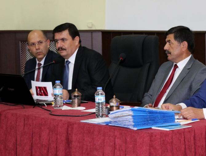 Vali, toplantıda başkana vatandaşların şikâyetlerini aktardı