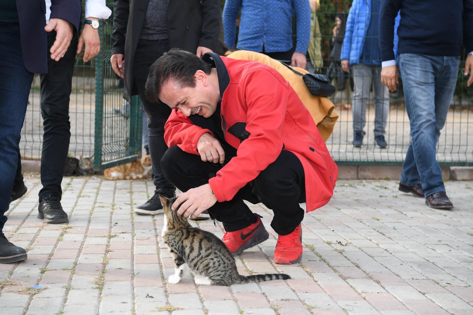Tuzla'da minikler hayvanseverleri Hayvanları Koruma Günü'nde bilinçlendirildi