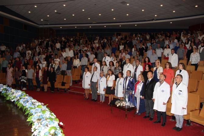 ADÜ Tıp Fakültesi'nde beyaz önlük giyme töreni yapıldı