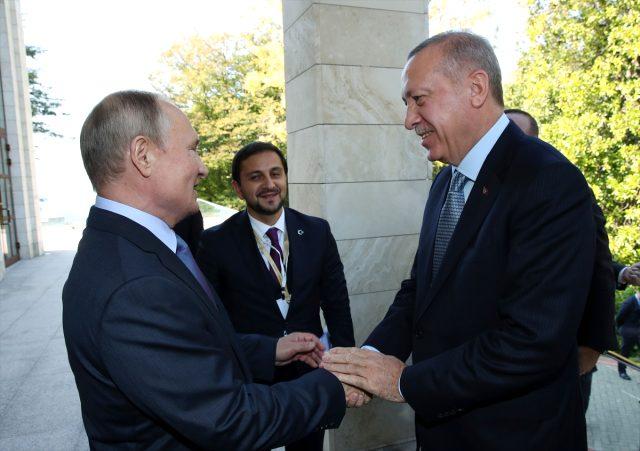 Kritik görüşme başladı! Erdoğan ve Putin Soçi'de...