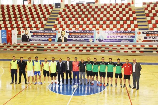 Ağrı'da Öğretmenler Kupası startı verildi