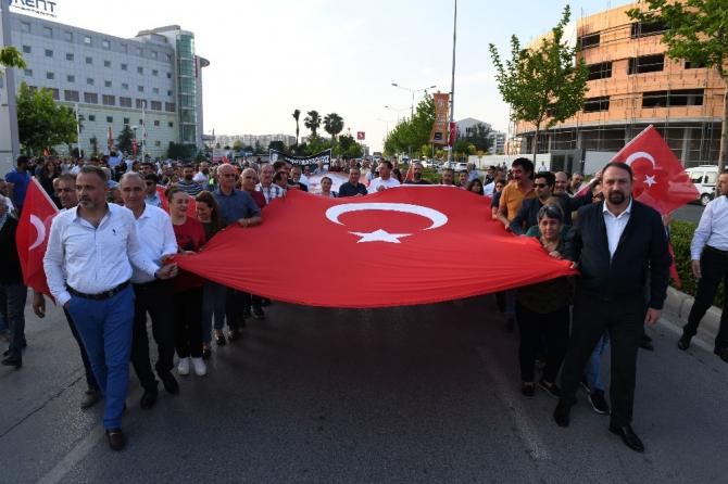 Çiğli'de 'Büyük Cumhuriyet Yürüyüşü'