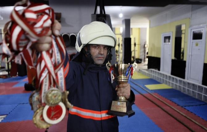 Dünya şampiyonu itfaiyeci