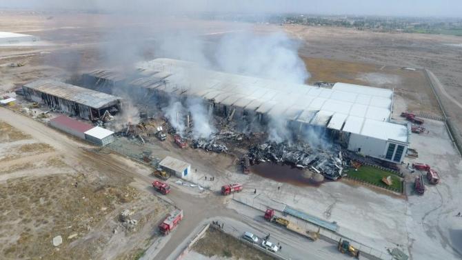 Konya'daki fabrika yangını 11 saatlik çalışmayla söndürüldü