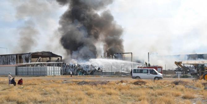 Konya'daki fabrika yangını büyük ölçüde kontrol altına alındı