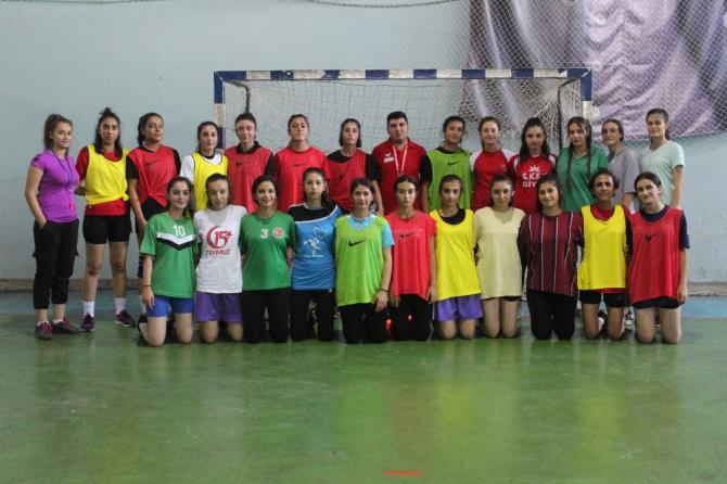 Oğuzeli HEM Spor, spor şehri Gaziantep'ten destek bekliyor