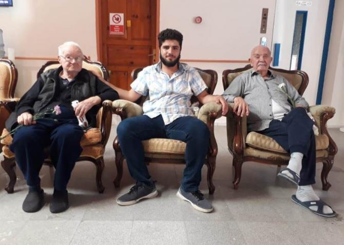 Sancak Derneğinin gençleri yaşlılarla buluştu
