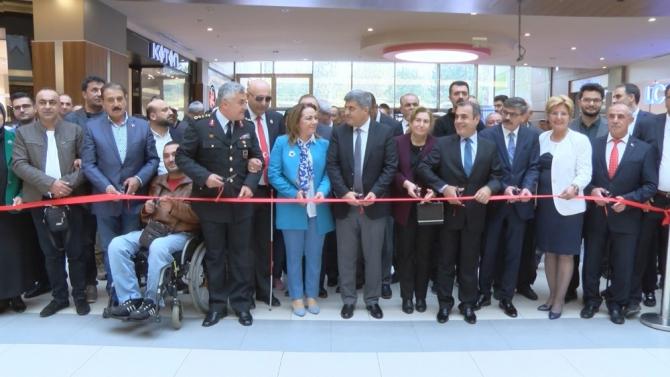 29 Ekim konulu yağlı boya sergisi açıldı