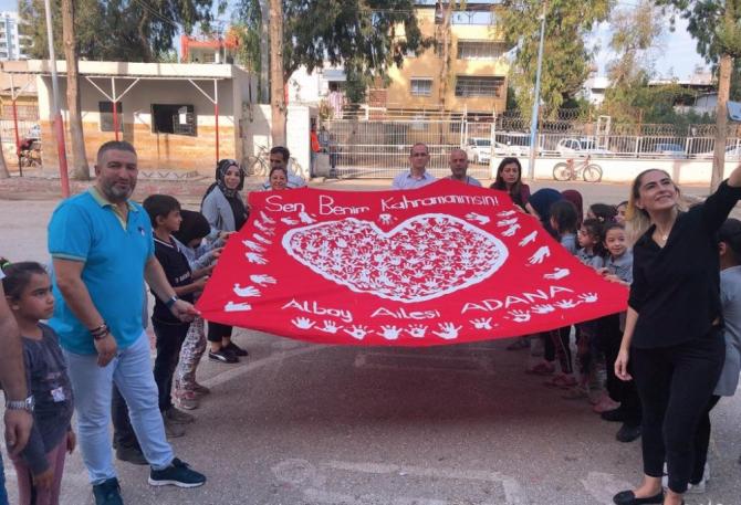 'Sen Benim Kahramanımsın' etkinliği ile Mehmetçik'e destek