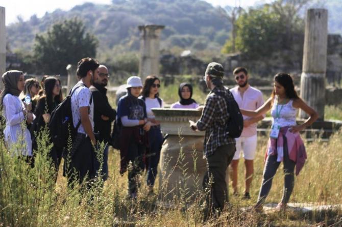 Ahbap Aydın'ın kültür yolculuğundaki ilk durağı Magnesia oldu