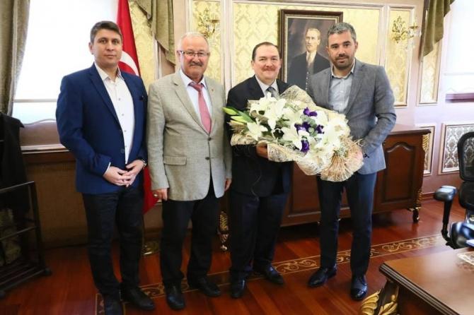Başkan Çetin'den Eyüp İlçe Kaymakamı Kara'ya ziyaret