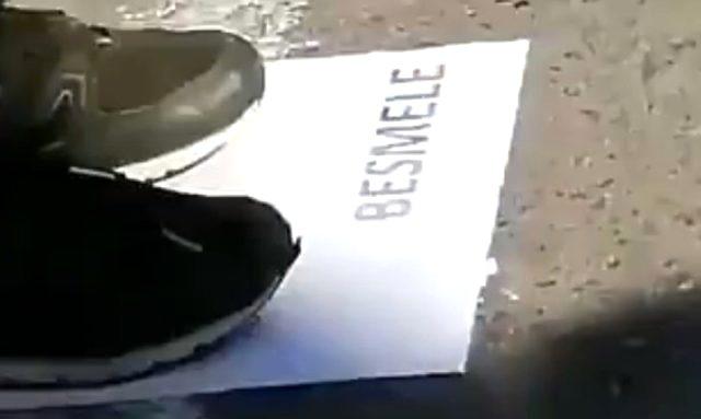 """İstanbul Çekmeköy'de skandal: Öğrenciler """"besmele"""", """"peygamber"""" yazan kağıtlara bastırıldı"""