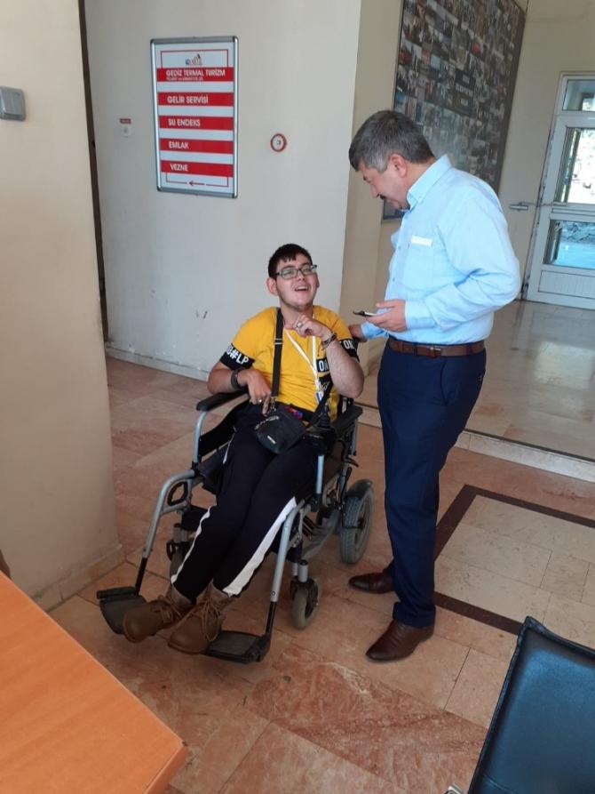 Engelli öğrenciye stajında destek ziyareti