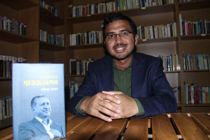 Erdoğan hakkında yazılan Bengalce kitap şimdi dünyaya yayılıyor