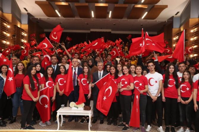 Öğrenciler 29 Ekim'i Şahinbey'de kutladı