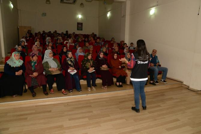 Büyükşehir Belediyesi'nden kursiyerlere narko-rehber eğitimi