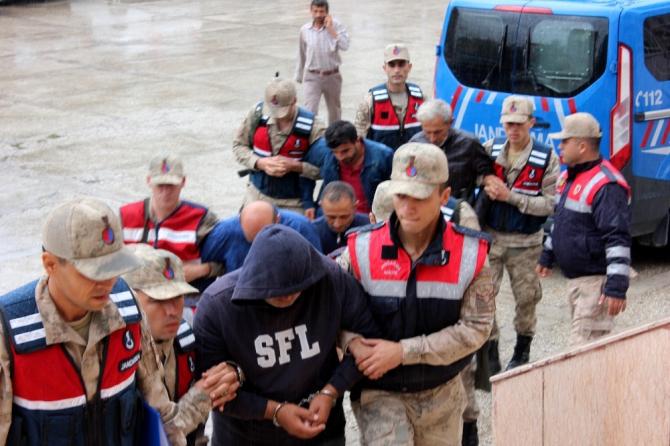 Hatay'da kaçak kazı operasyonu: 8 gözaltı