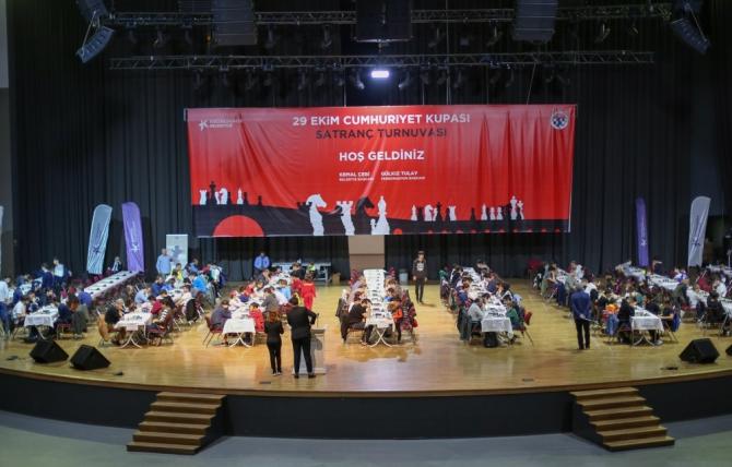 Cumhuriyet kupası ödüllü satranç turnuvası şampiyonları belli oldu