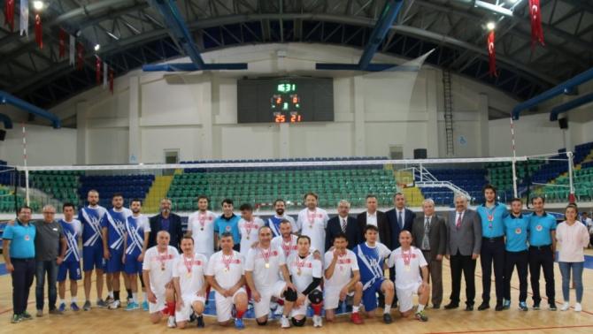 Kütahya'da öğretmenler arası voleybol ve futsal müsabakaları sona erdi