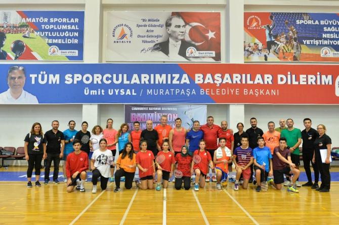 Cumhuriyet Bayramı badminton turnuvası