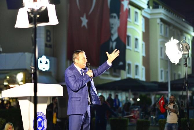 """Naim Babüroğlu: """"Atatürk'ün kurduğu Cumhuriyet"""""""