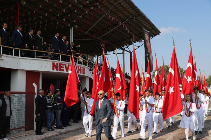 Nevşehir'de 29 Ekim Cumhuriyet Bayramı coşkuyla kutlandı