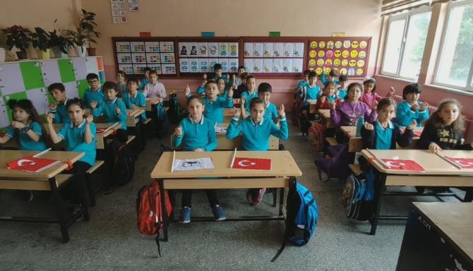 Minik öğrenciler Cumhuriyet Bayramı'nı çektikleri kliple kutladı