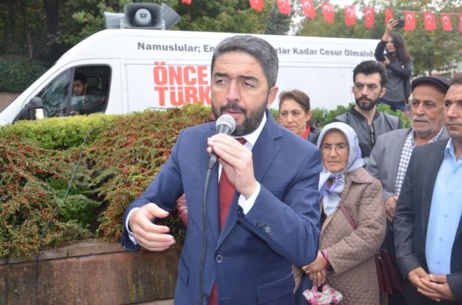 CHP, 29 Ekim Cumhuriyet Bayramı nedeniyle Atatürk Anıtı'na çelenk sundu