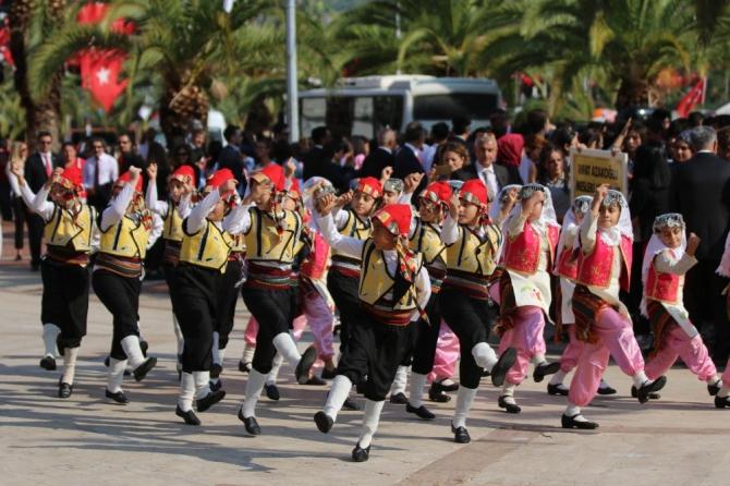 Antalya'nın ilçelerinde Cumhuriyet coşkusu
