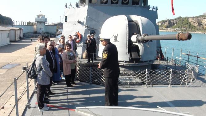 'TCG Mızrak' Bartın Limanında ziyarete açıldı